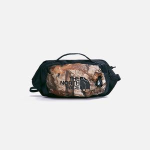 The North Face Bozer Hip Pack Large Kelp Tan Forest Floor Print - Multicolor