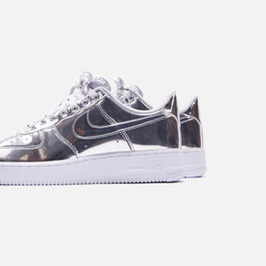 Nike WMNS Air Force 1 SP Low - Metallic Silver / White Image 5