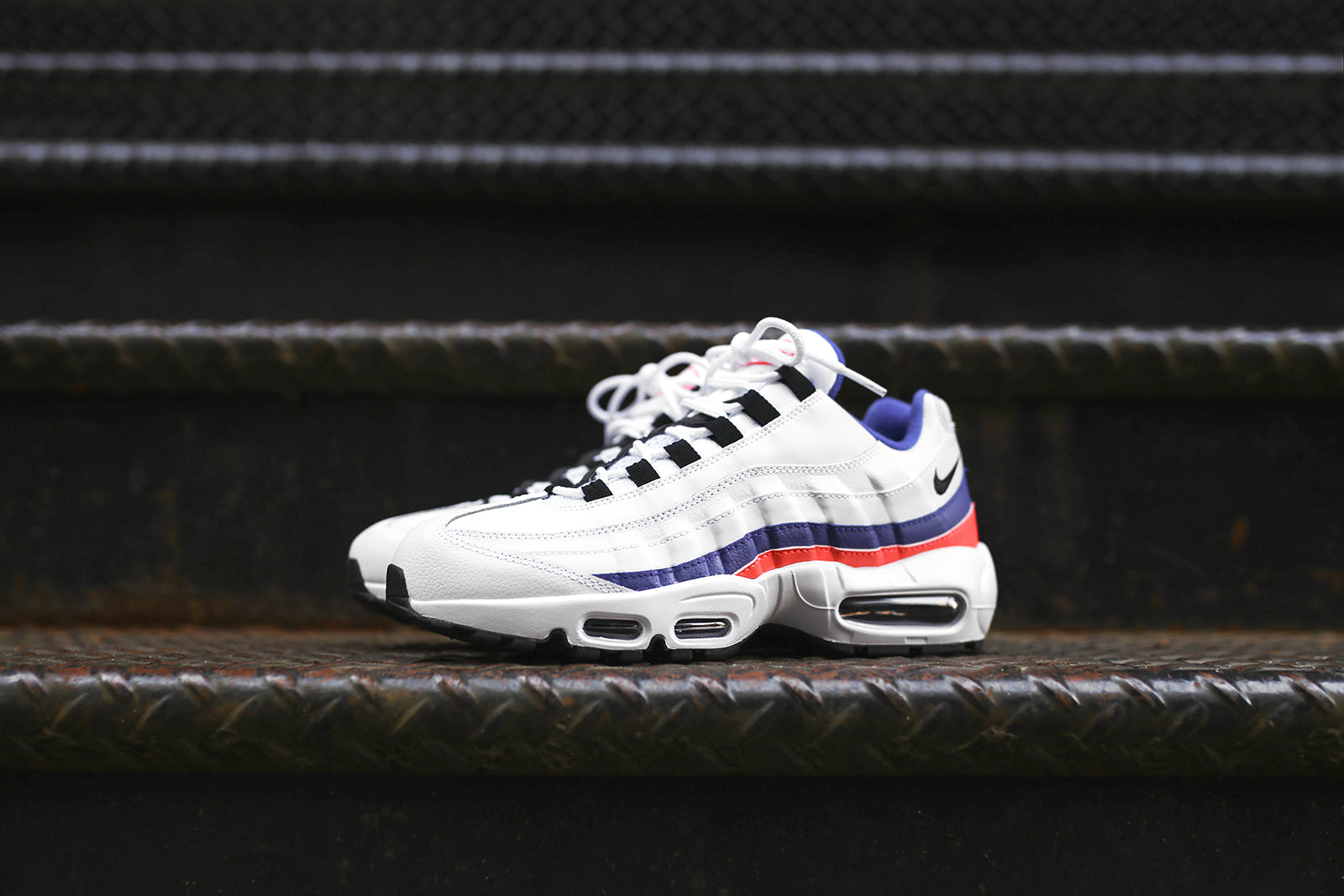 newest collection 303b8 95761 Nike Air Max 95 Essential - White   Blue   Red