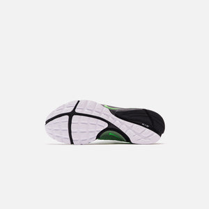 Nike Air Presto - Pine Green / Green Strike / Black / White Image 4