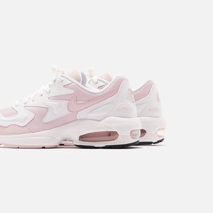 Rubí oscuridad La oficina  Nike WMNS Air Max 2 Light - Summit White / Barely Rose / Dark Smoke – Kith