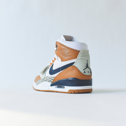 Nike Air Jordan Legacy 312 - White / Midnight Navy / Ginger
