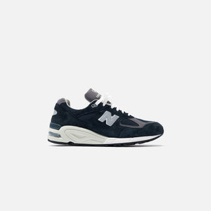 New Balance 990 v2 - Navy / White