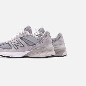 New Balance WMNS Made in USA 990v5 - Grey / Castlerock