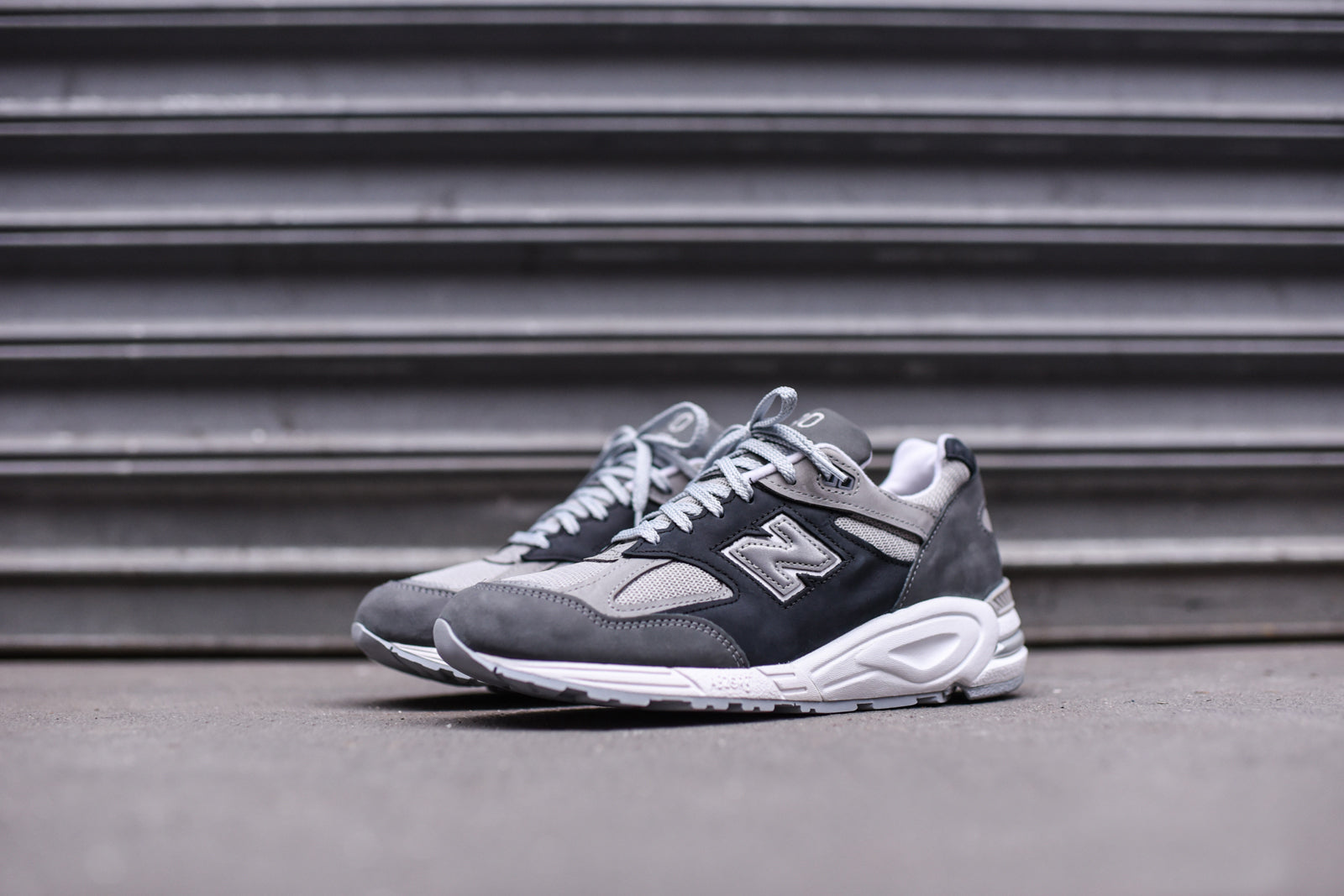 New Balance M990XG2 - Grey / White