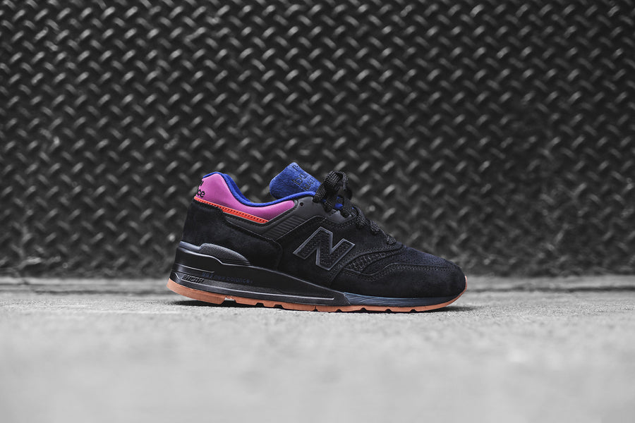 New Balance 997 - Black / Magnet