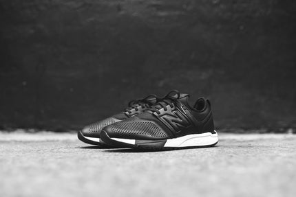 New Balance 247 - Black / White