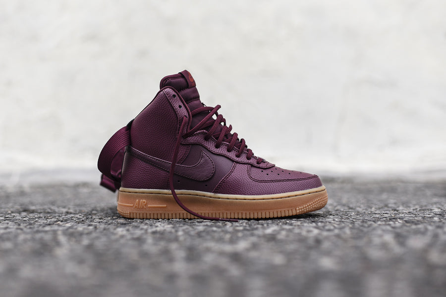 Nike WMNS Air Force 1 High SE - Maroon
