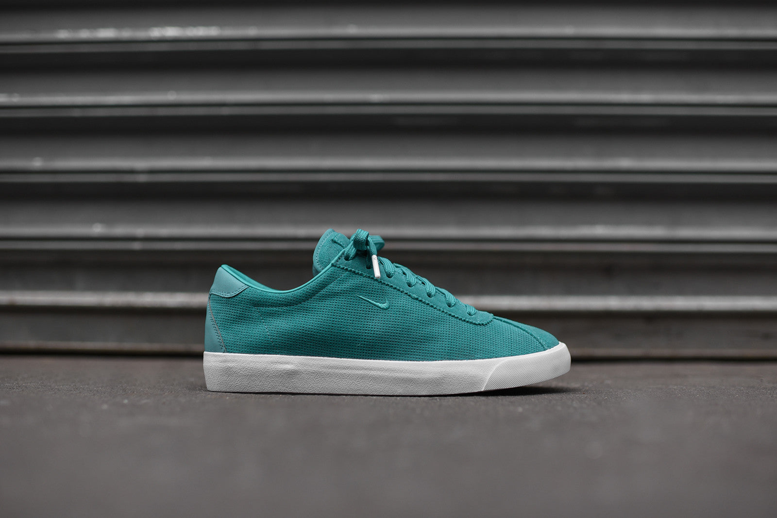 Nikelab match classic jade kith for Progressive house classics