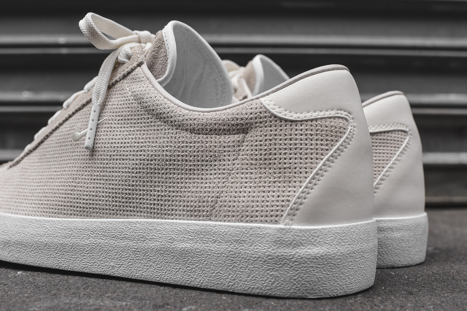 Nikelab match classic sail kith nyc for Progressive house classics