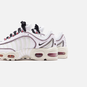 Nike WMNS Air Max Tailwind IV SE - White / Black / Summit White / Gym Red
