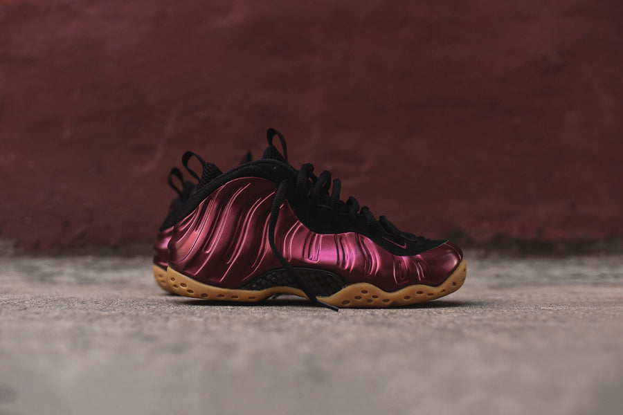 Nike Air Foamposite One - Maroon / Black