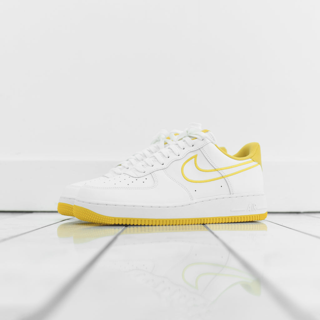 615a498ad935f Nike Air Force 1 '07 - White / Yellow