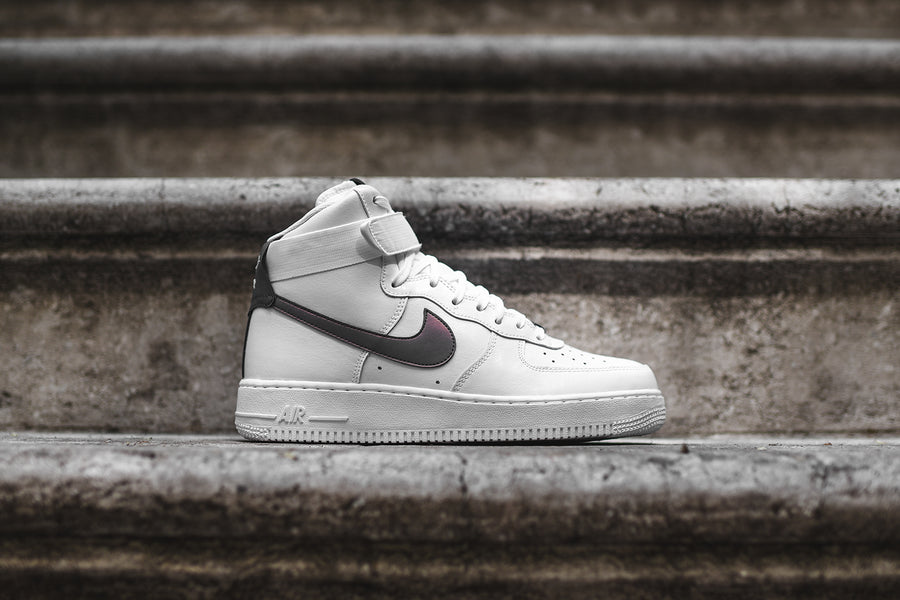 Nike Air Force 1 High LV8 - Triple White