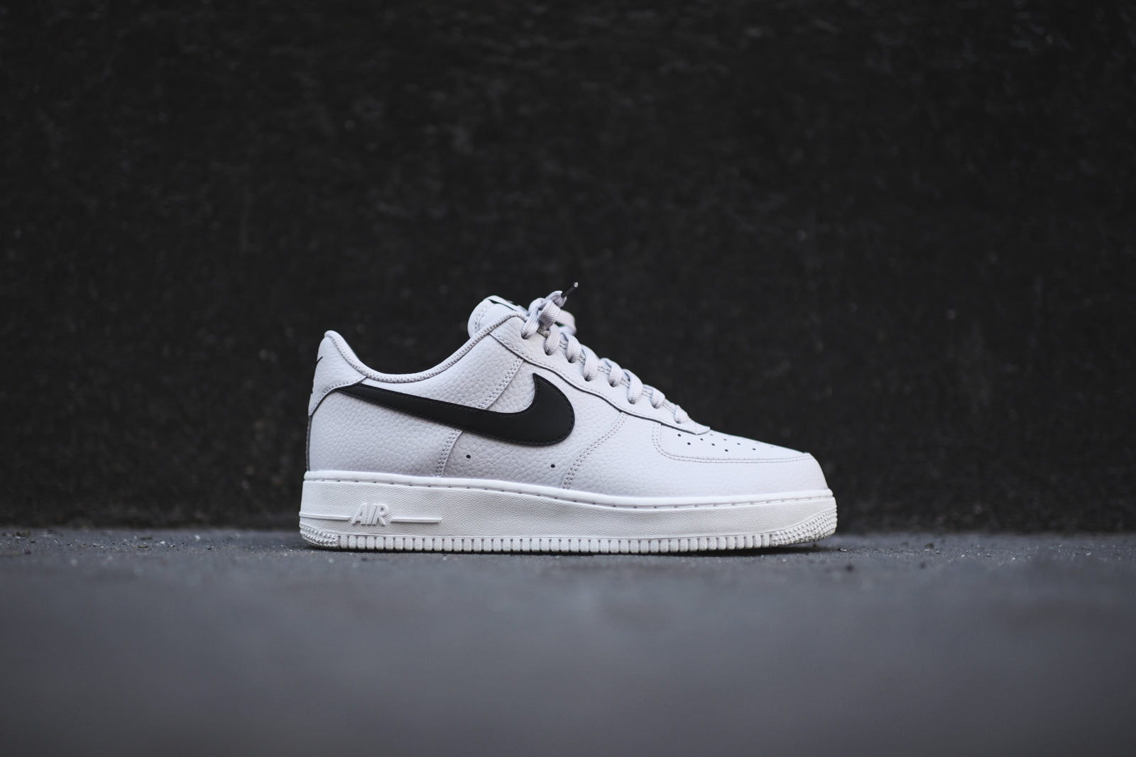 edb699032b096e ... best price nike air force 1 07 grey black white eda55 79755