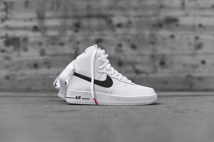 Nike Air Force 1 High '07 - White / Black