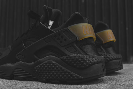 Nike Air Huarache - Black / Gold