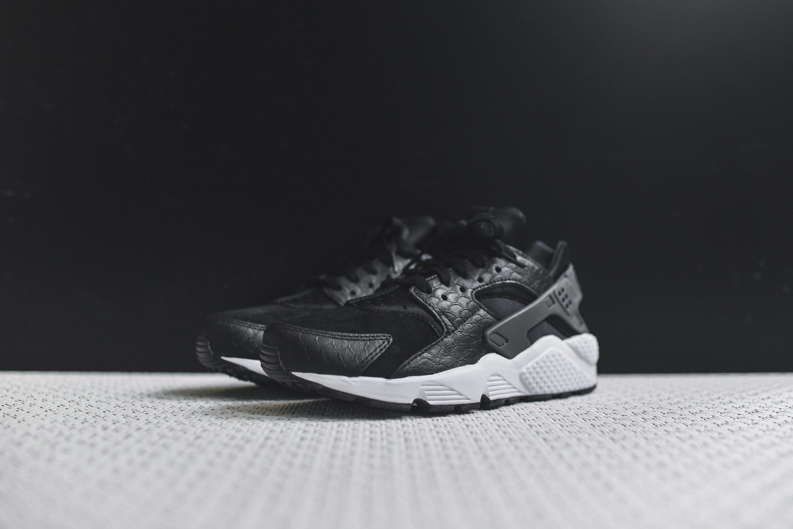 Nike Air Huarache Run Black