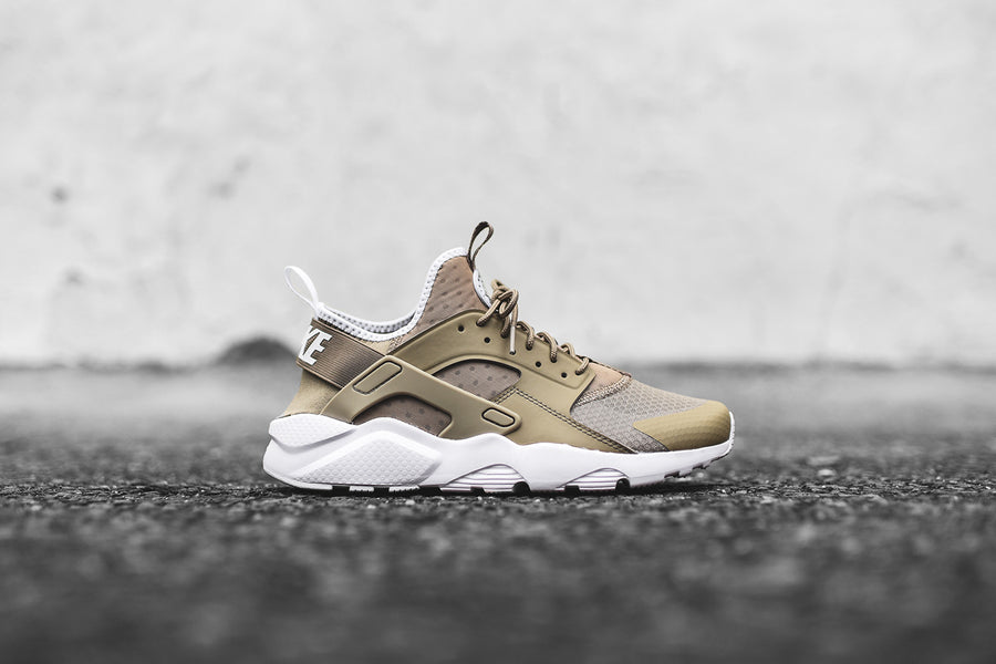 Nike Huarache Run Ultra - Khaki / White