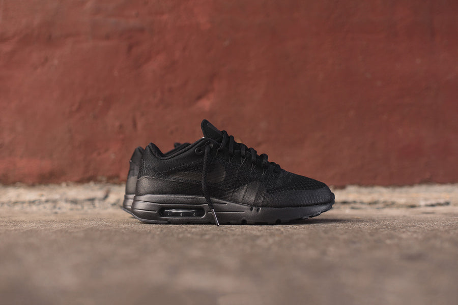 Nike Air Max 1 Ultra Flyknit - Triple Black