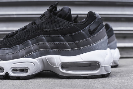 nike air max 95 essential black white