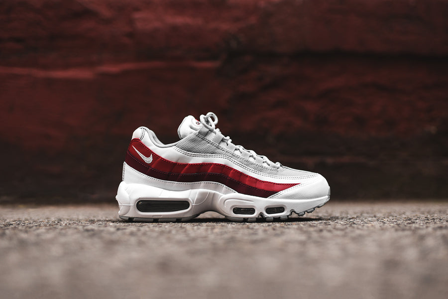 Nike Air Max 95 Essential - White / Red