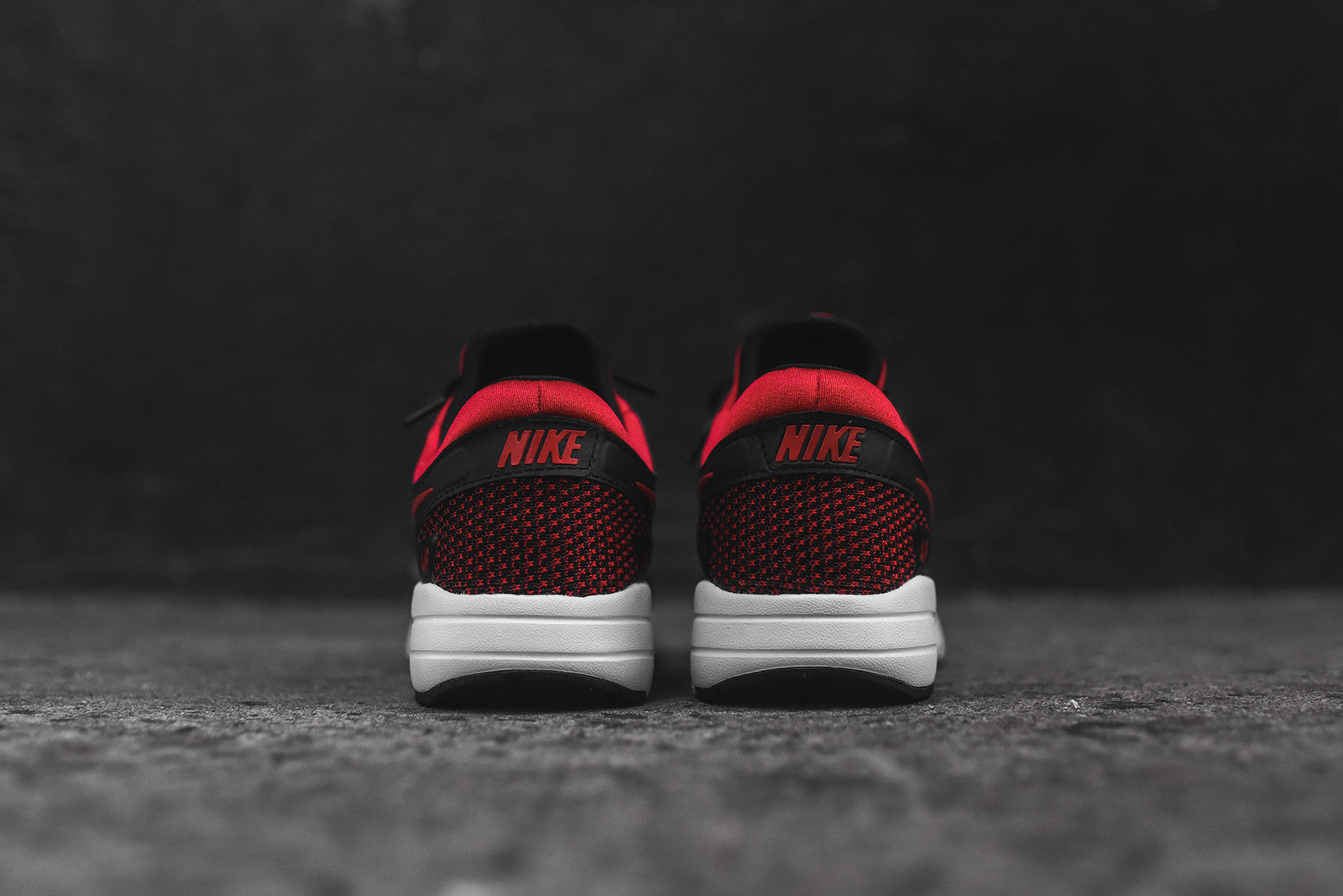 Nike Air Max Zero - Black / Red
