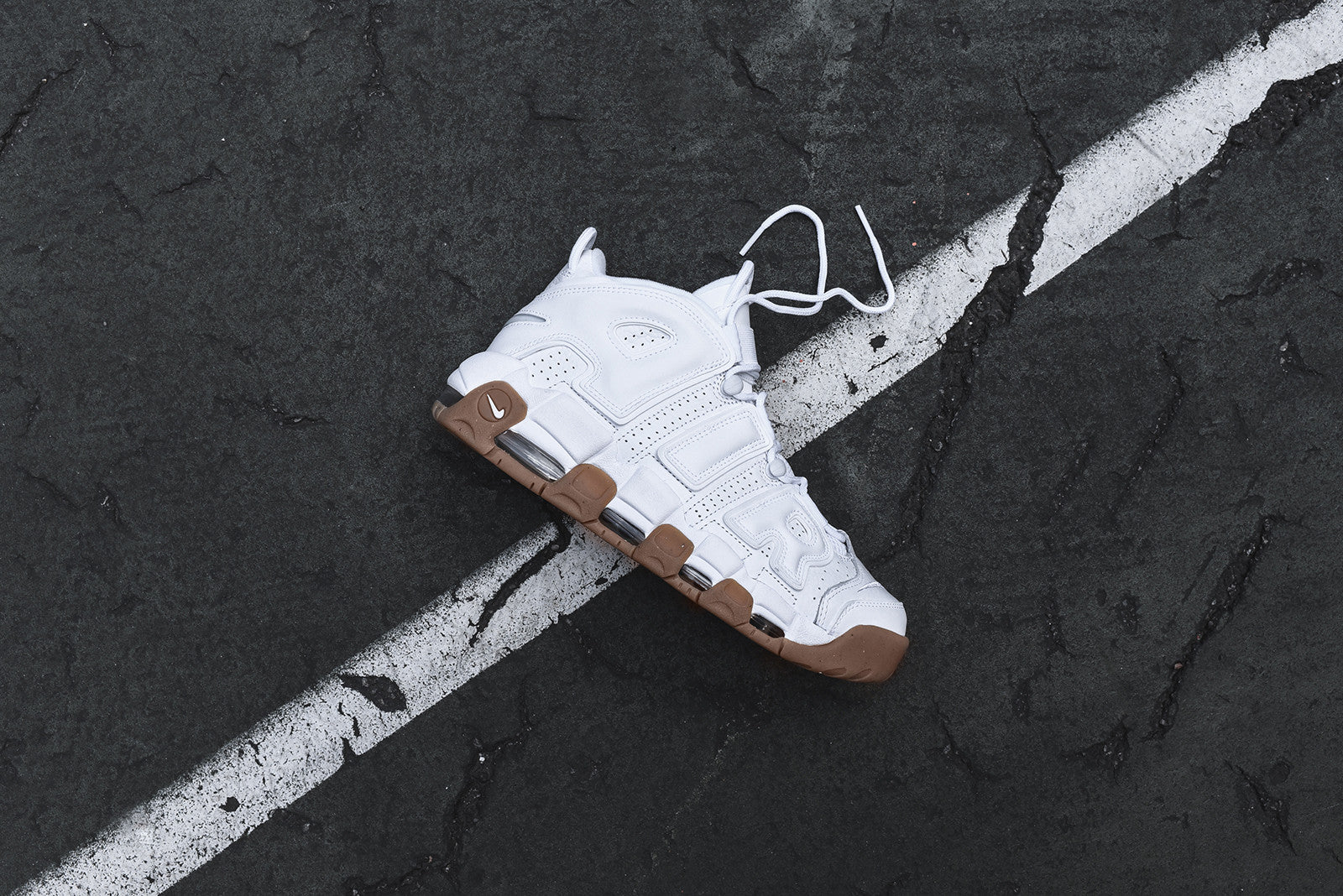 Nike Air More Uptempo - White / Gum