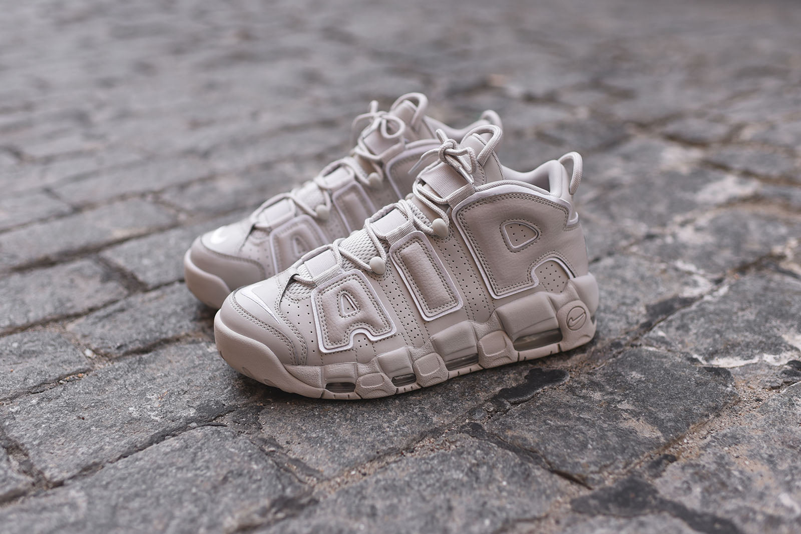 Nike Air More Uptempo - Lightbone / White