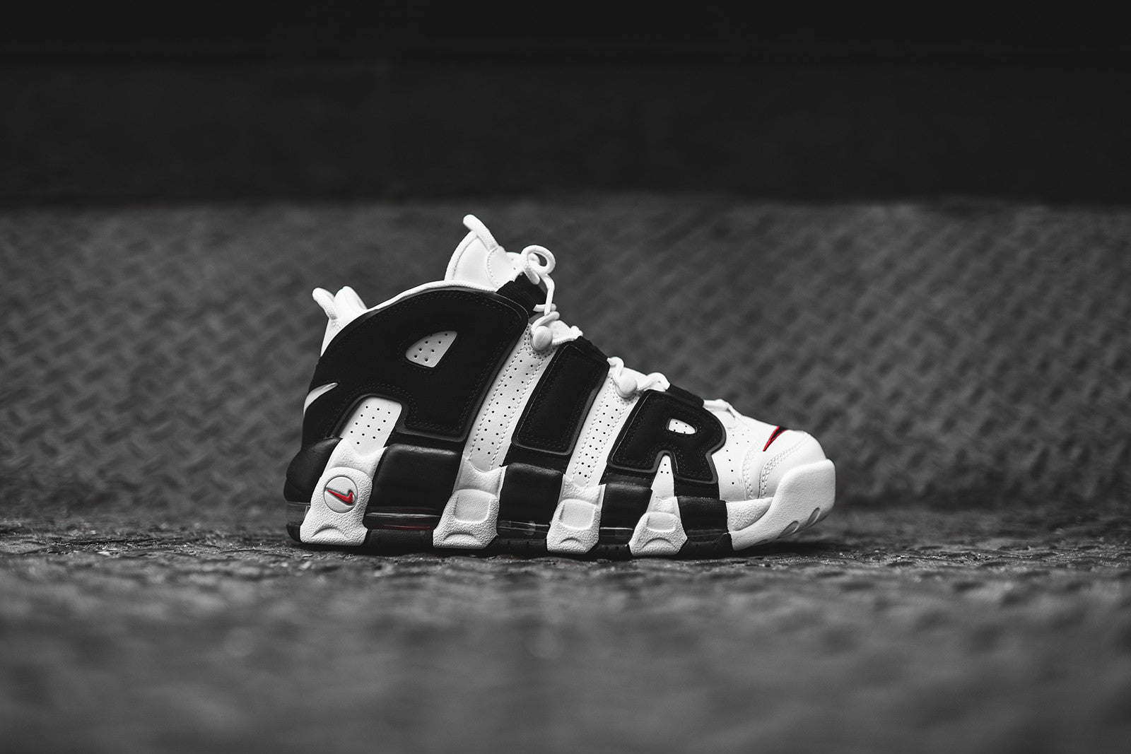 Nike More Uptempo Black White