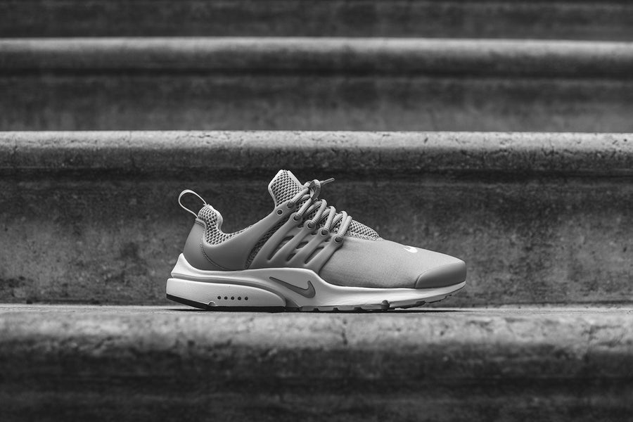 Nike Air Presto Essential - Grey / White