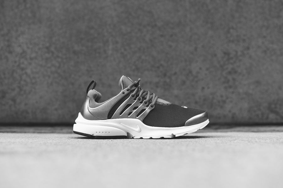 Nike Air Presto PRM - Black / White