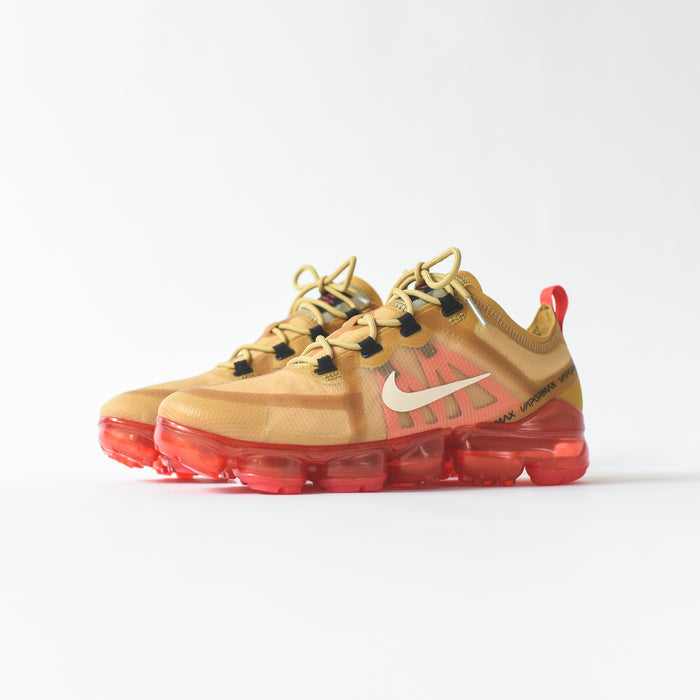 Nike Air VaporMax 2019 - Club Gold / Light Cream / Ember Glow