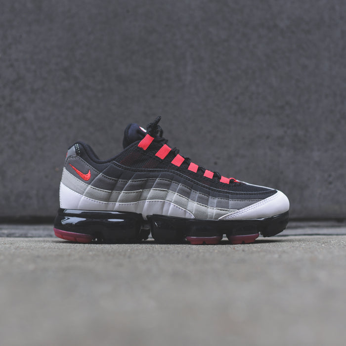 Nike Air VaporMax 95 - Black / Grey