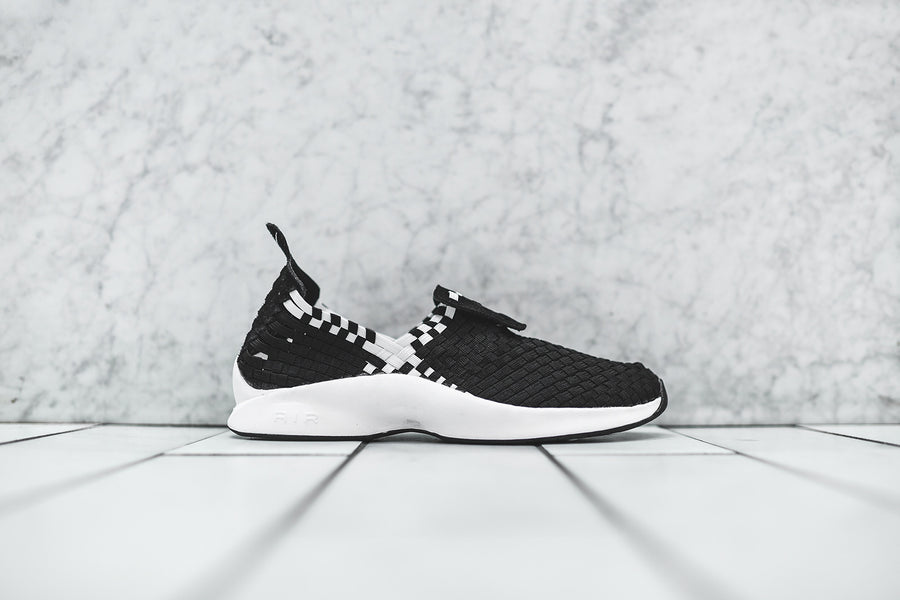 Nike Air Woven - Black / White