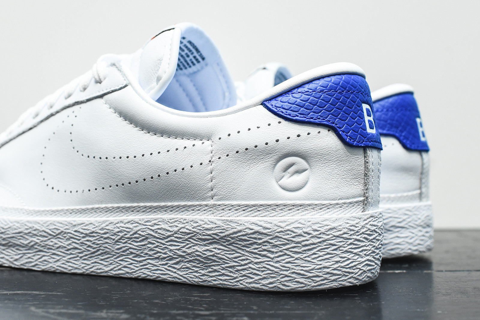 Nike x Fragment Design WMNS Air Zoom Tennis Classic - White / Royal