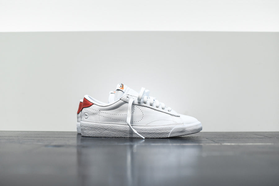 Nike x Fragment Design WMNS Air Zoom Tennis Classic - White / Red