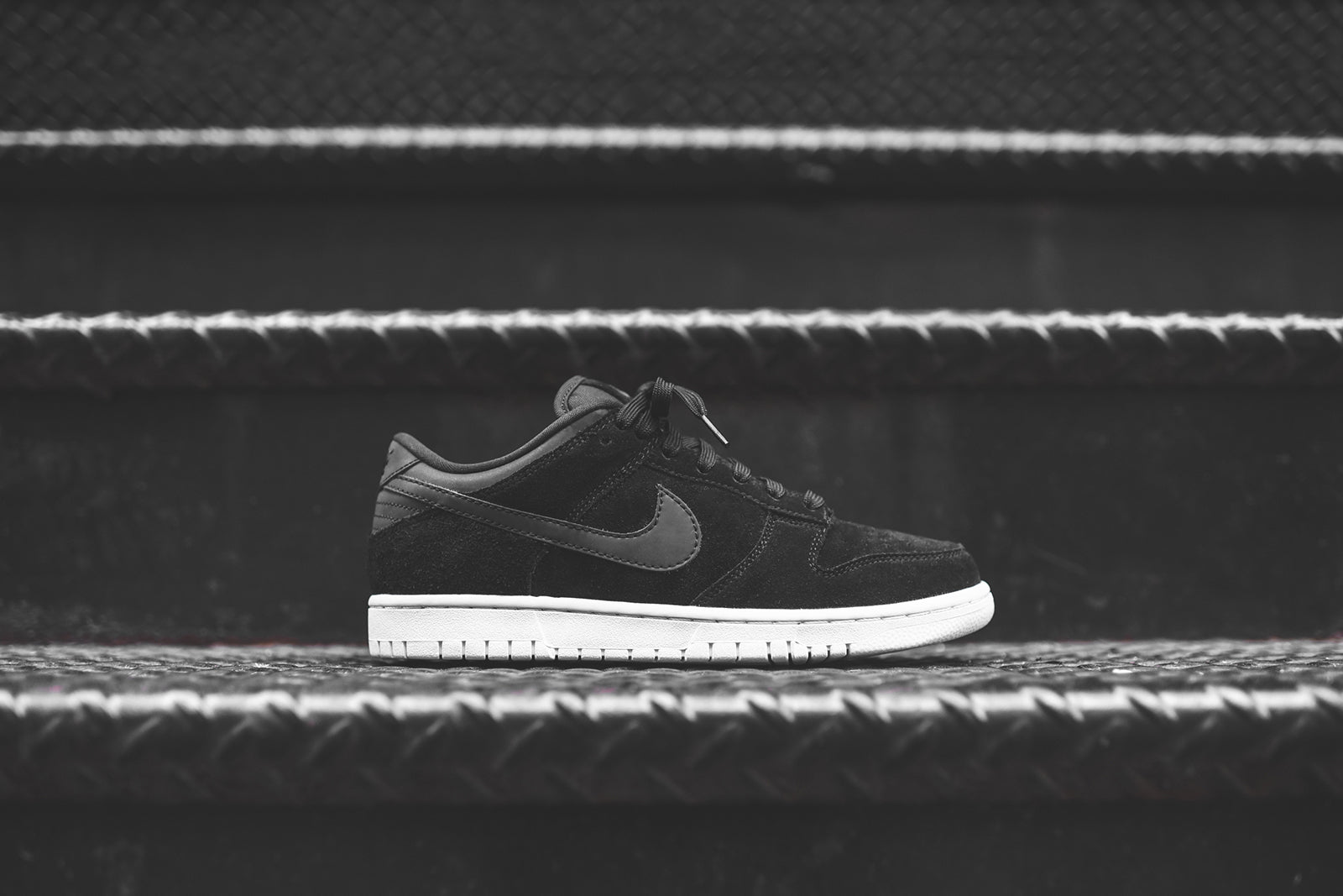 ... nike dunk low prm black