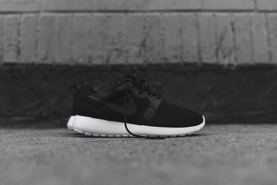 Nike Roshe One Hyperfuse BR - Black / White