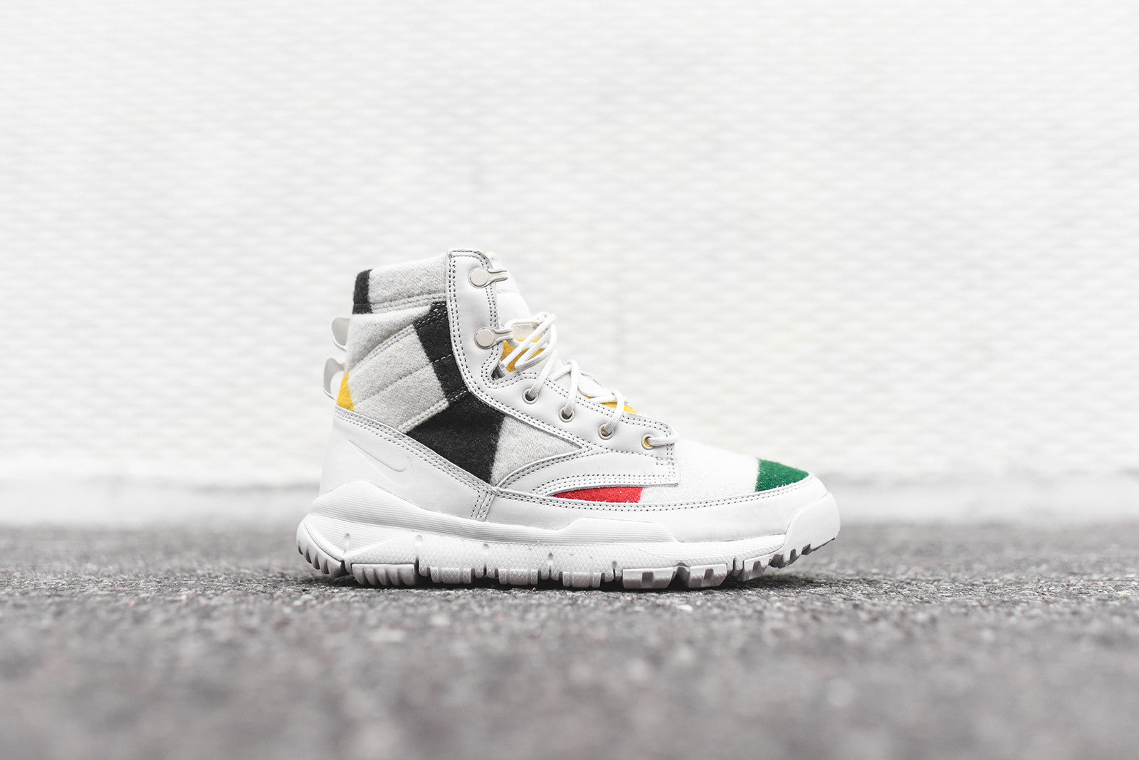 "Nike x Pendleton SFB 6"" Boot QS - White / Multi"