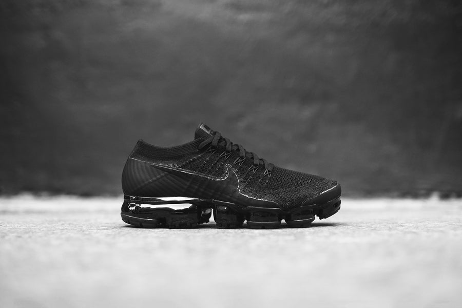 Nike Air VaporMax FK - Triple Black