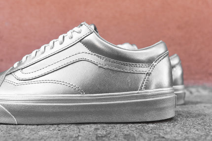 vans old skool silver