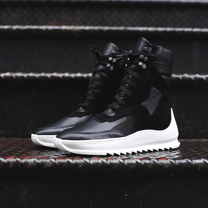 Filling Pieces Peak Boot - Black / White