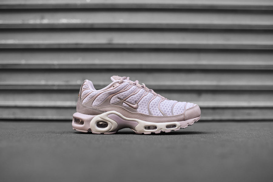 NikeLab Air Max Plus - Pink / Grey