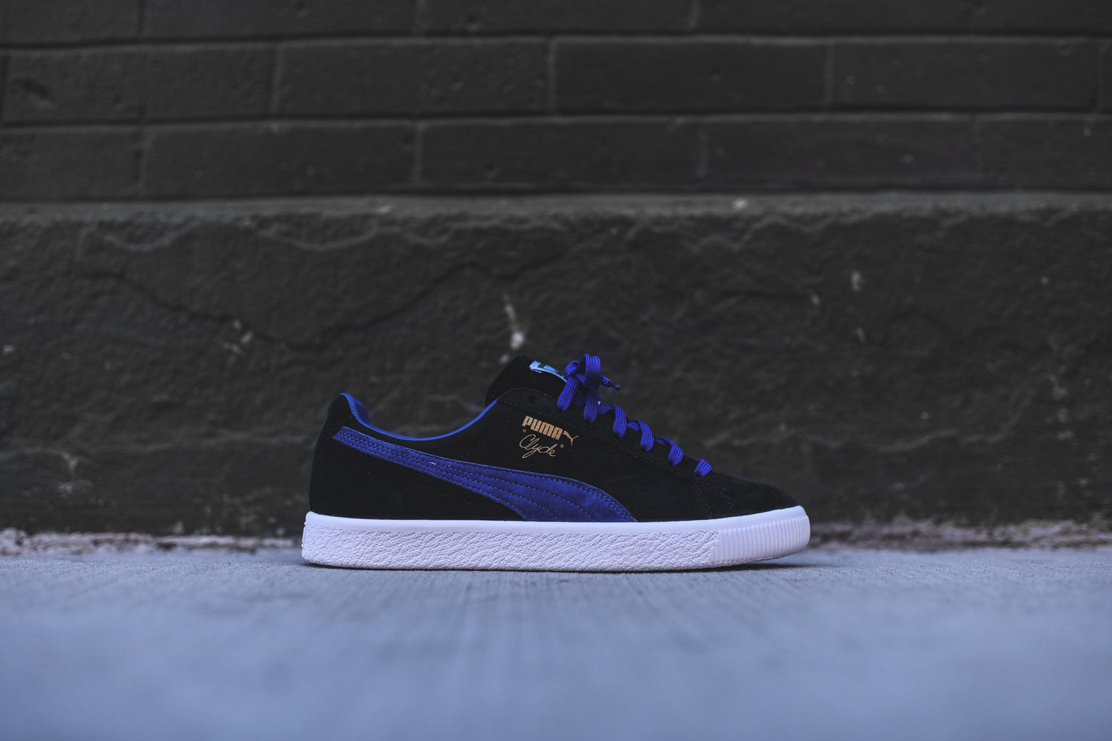 Puma clyde select black blue kith nyc for Blue select