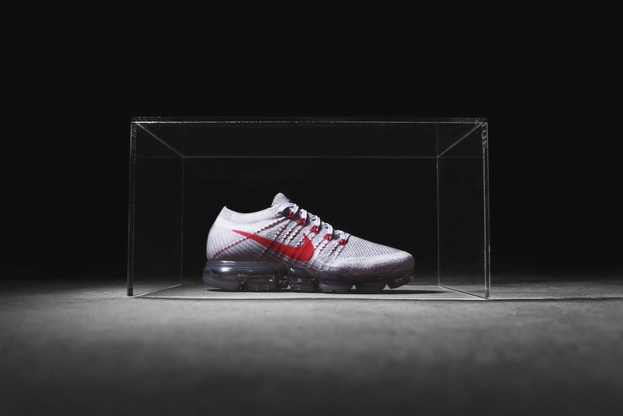 Nike Air VaporMax - Pure Platinum / Red / Grey
