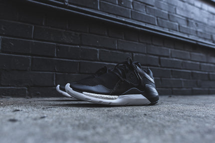 Y-3 Boost QR Run - Black / White