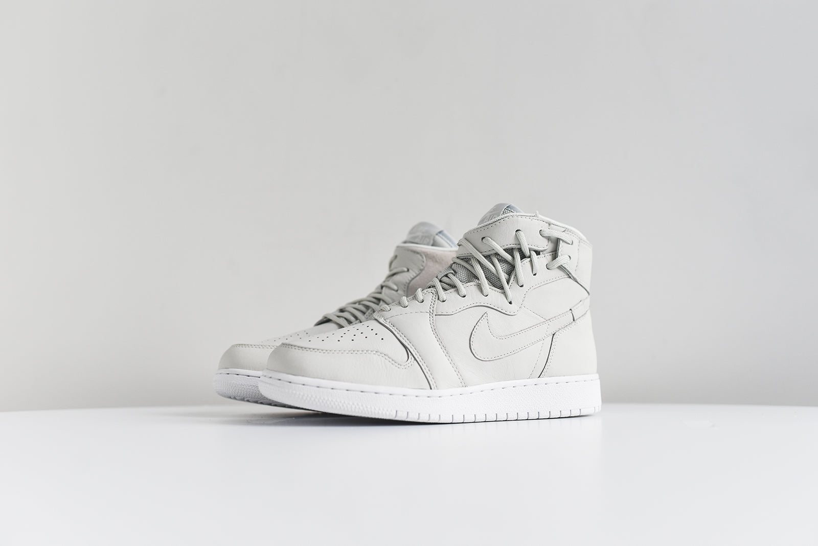 Nike Women's Air Jordan 1 Rebel Xx High Top Sneaker