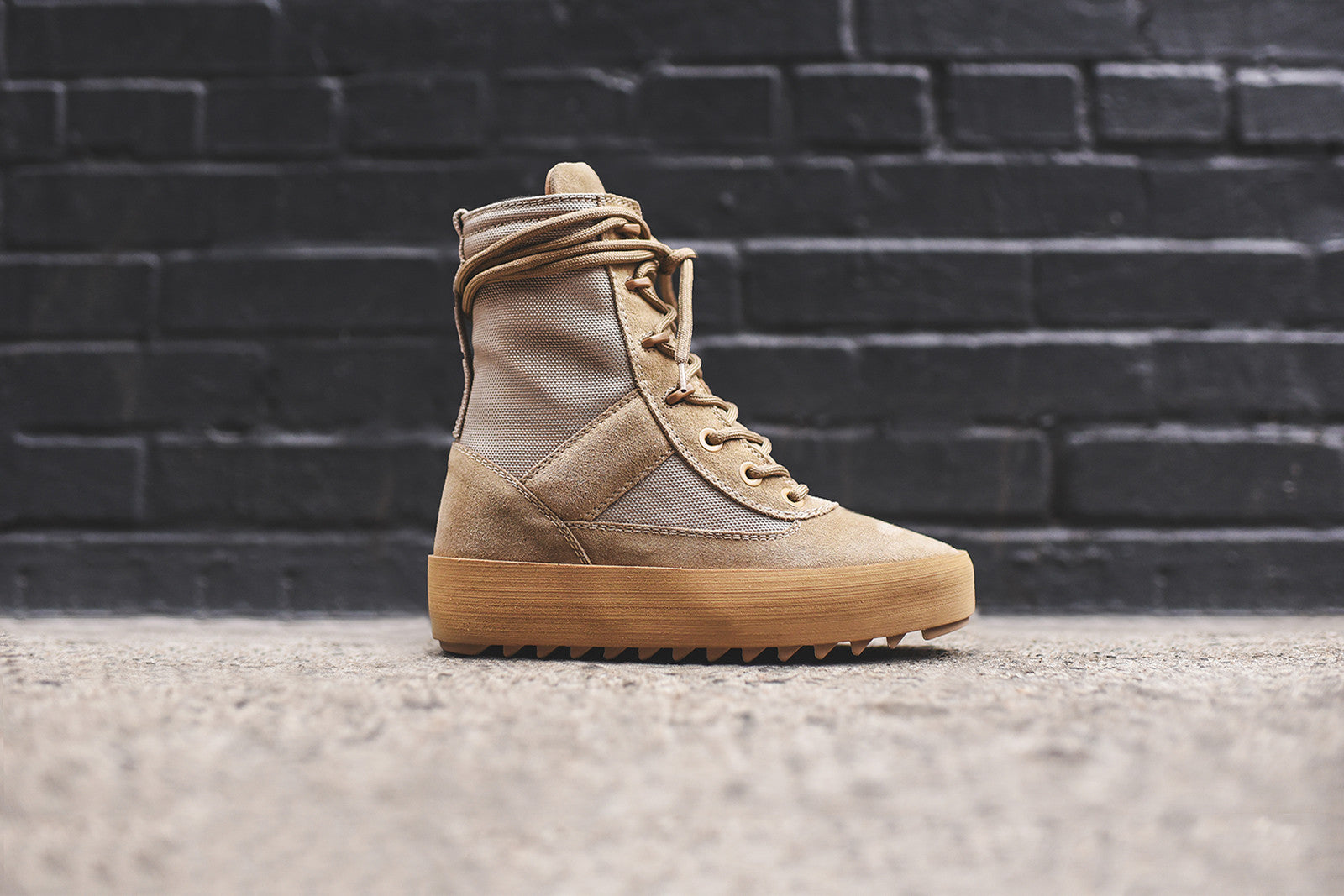Yeezy WMNS Military Boot - Rock