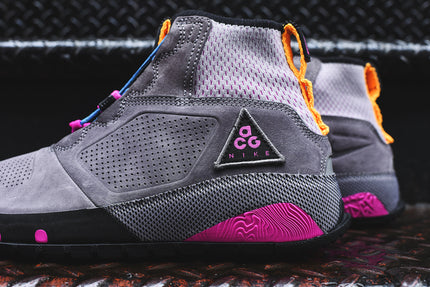 Nike ACG Ruckel Ridge - Gunsmoke / Atmosphere Grey / Hyper Magenta